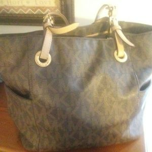 Brown mk purse